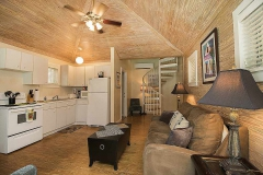 katies-cottage-living-room-key-west
