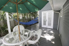 katies-cottage-patio-key-west