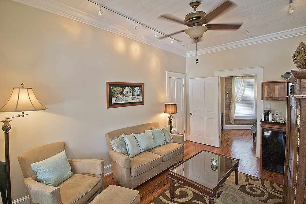 View photo gallery ambrosia key west for Bedroom 80 humidity